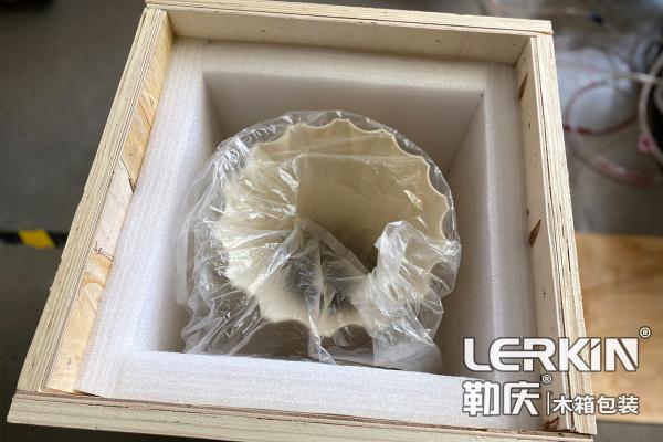 防震木箱包装