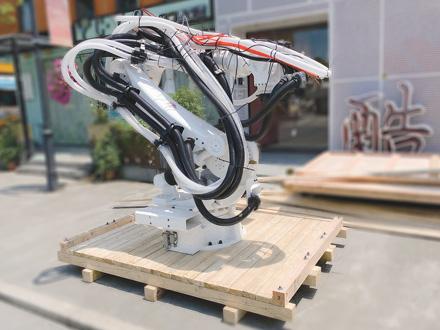 机器人机器臂的木箱包装过程